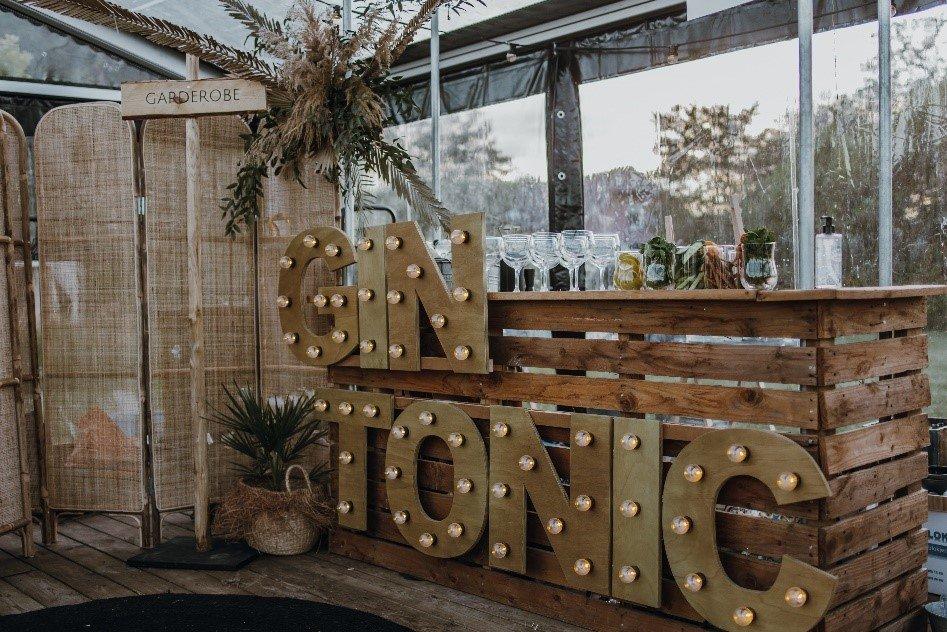 Gin Tonic bar buiten bruiloft